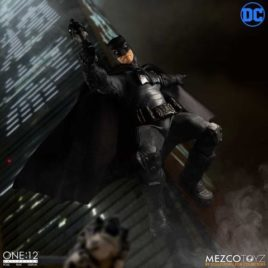 MEZCO BATMAN SUPREME KNIGHT 1/12 CLOTH AF